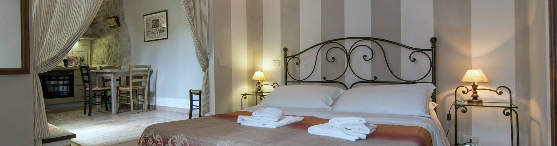 Montemenardo, Umbria, Italy, Il Pozzo Room (3).jpg