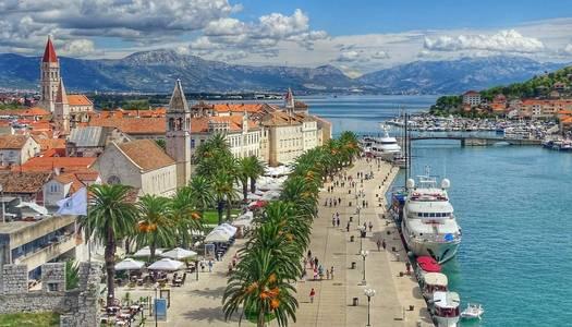 One way Dubrovnik to Split  with MS Mama Marija, MS Mama Marija II, MS Ambassador, MS Oscar)