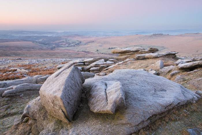 Great Mis Tor looking to Great Staple Tor (© Robert Harvey)