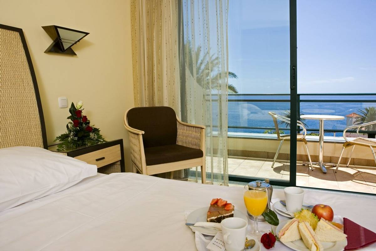 Portugal - Madeira - Hotel Galosol - Hotel Galosol - Example Standard Room 2.1.jpg