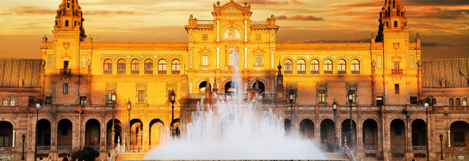 Plaza de Espana on sunset.