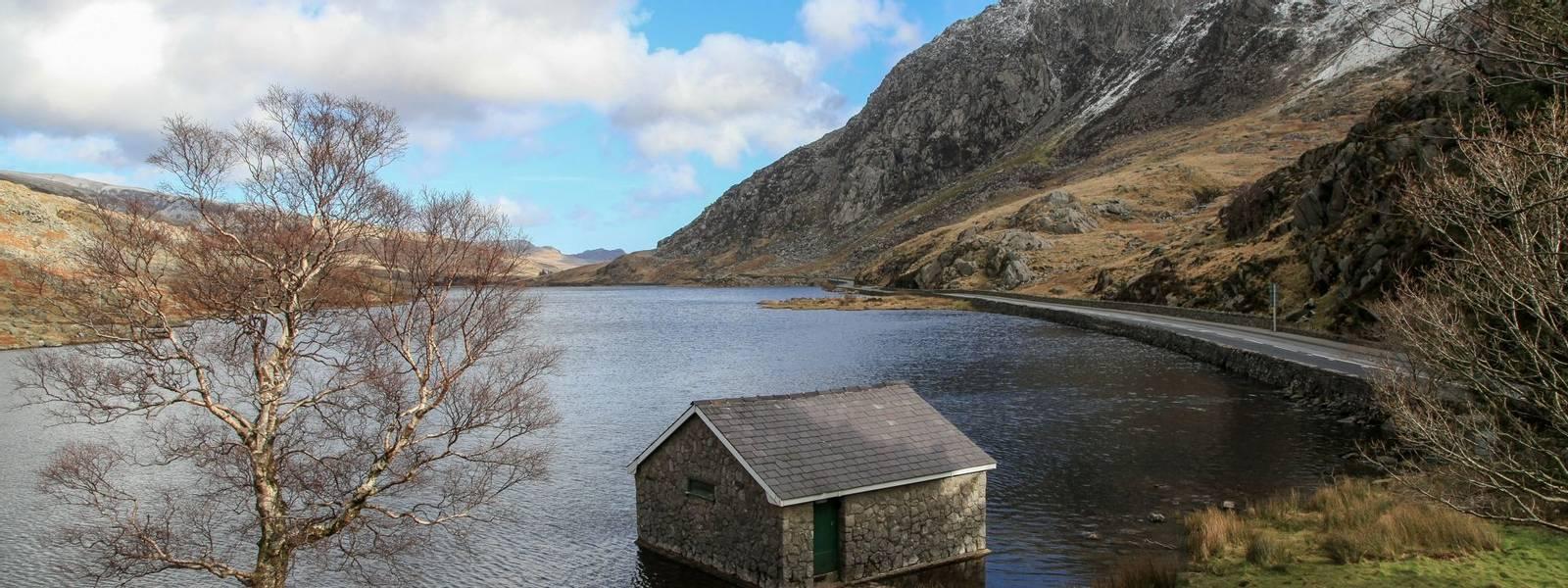 Northern Snowdonia - Walking with Sightseeing - AdobeStock_80319241.jpeg