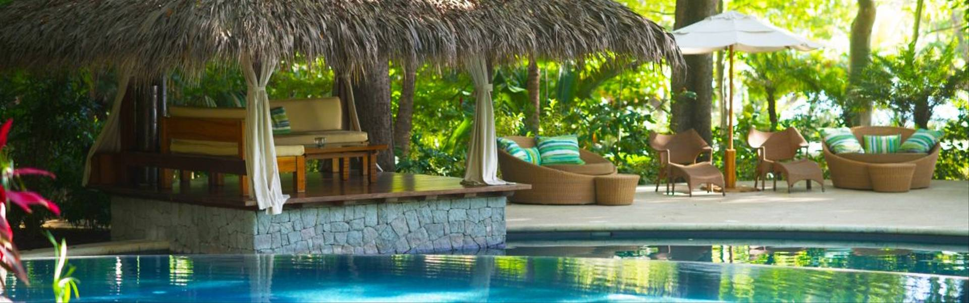 Florblanca-pool-and-palapa.jpg