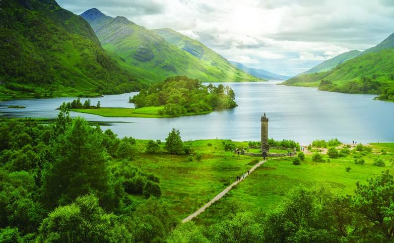 Glenfinnan Monument, at the head of Loch Shiel, Inverness-shire, Scotland.