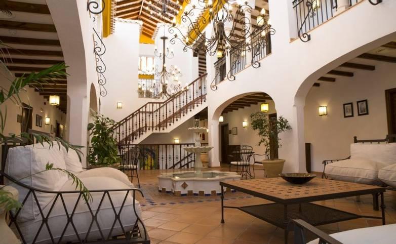 Spain - Andalucia -  Priego de Cordoba - Patio-Interior-5-H.-Palomas-1024x684.jpg