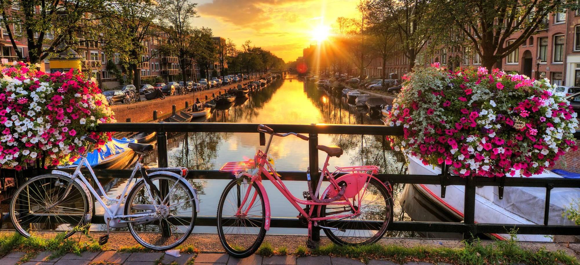 Amsterdam - Itinerary Desktop .jpg