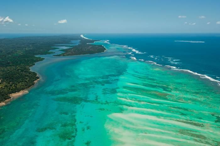 Île Sainte Marie Island from the sky, Madagascar shutterstock_223794526.jpg