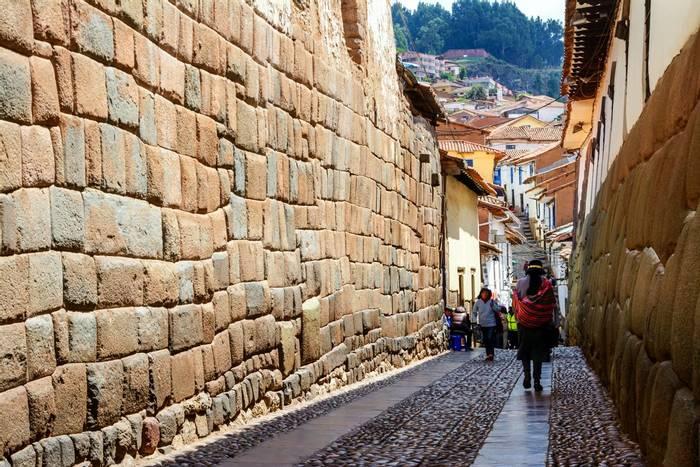 Old streets of Cusco, Peru shutterstock_626607686.jpg
