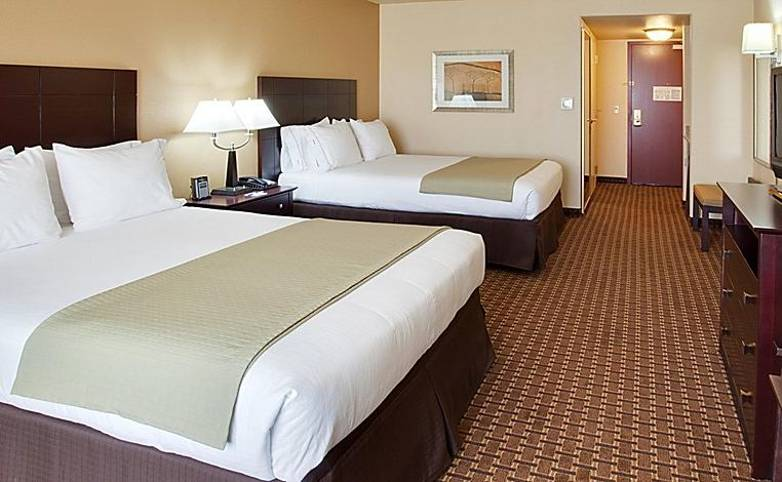 Yosemite & Grand Canyon - Dinuba - holiday-inn-express-and-suites-dinuba-2533129338-2x1.jpeg