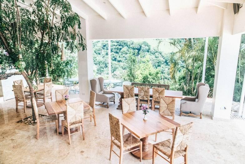 The-Retreat-Costa-Rica-DiningRoom.jpg