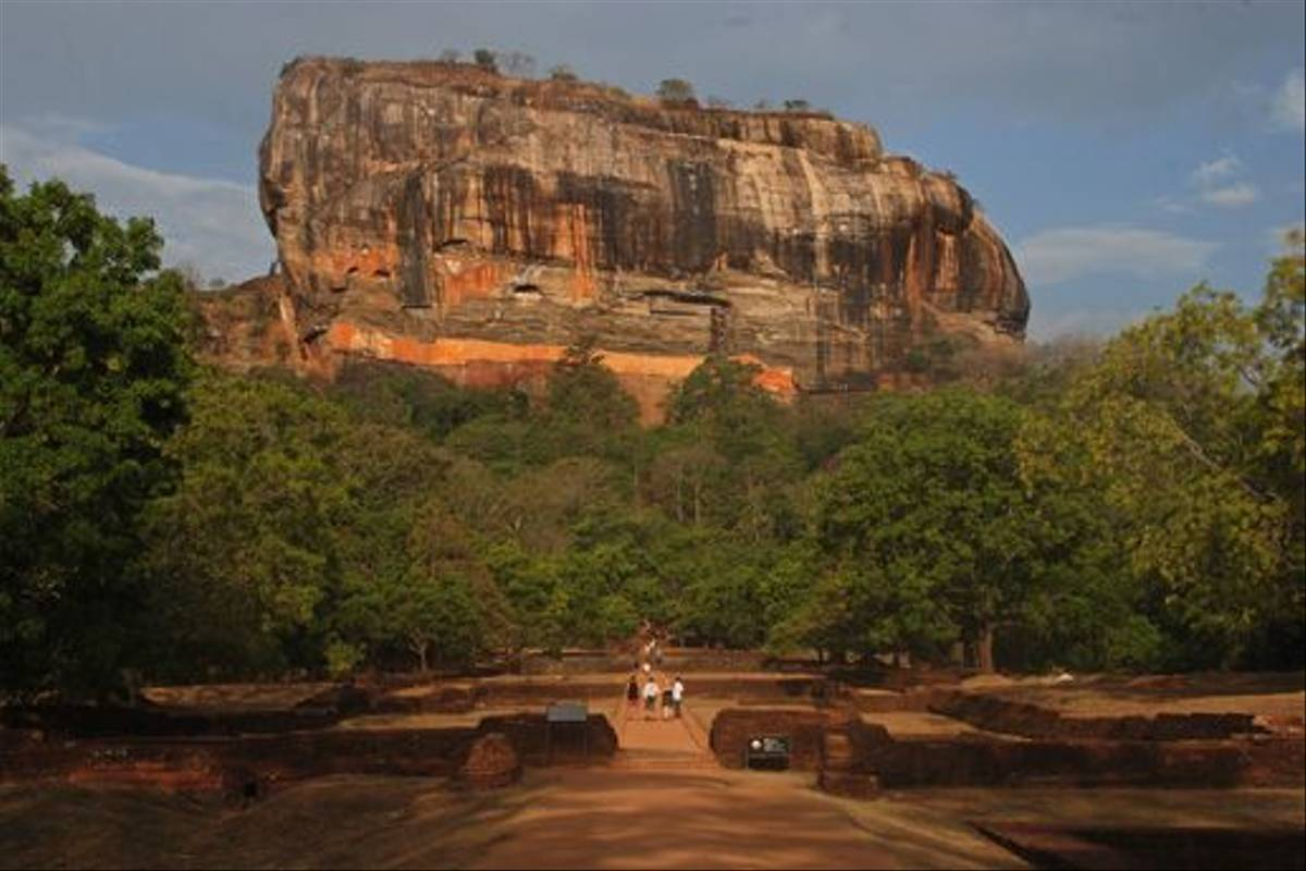 Sigiriya Rock (Thomas Mills)
