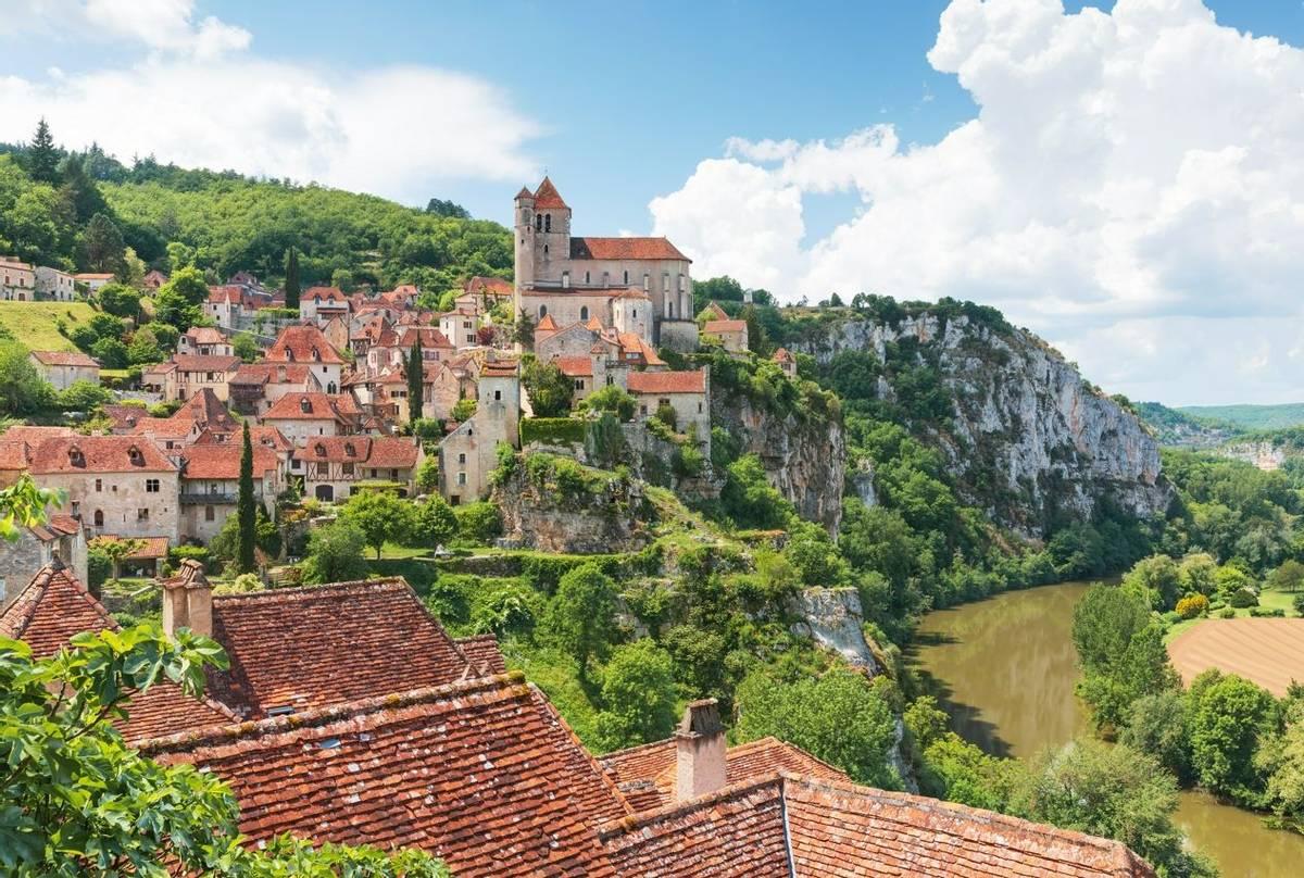 St. Cirq Lapopie, Lot Valley, France Shutterstock 1100050706