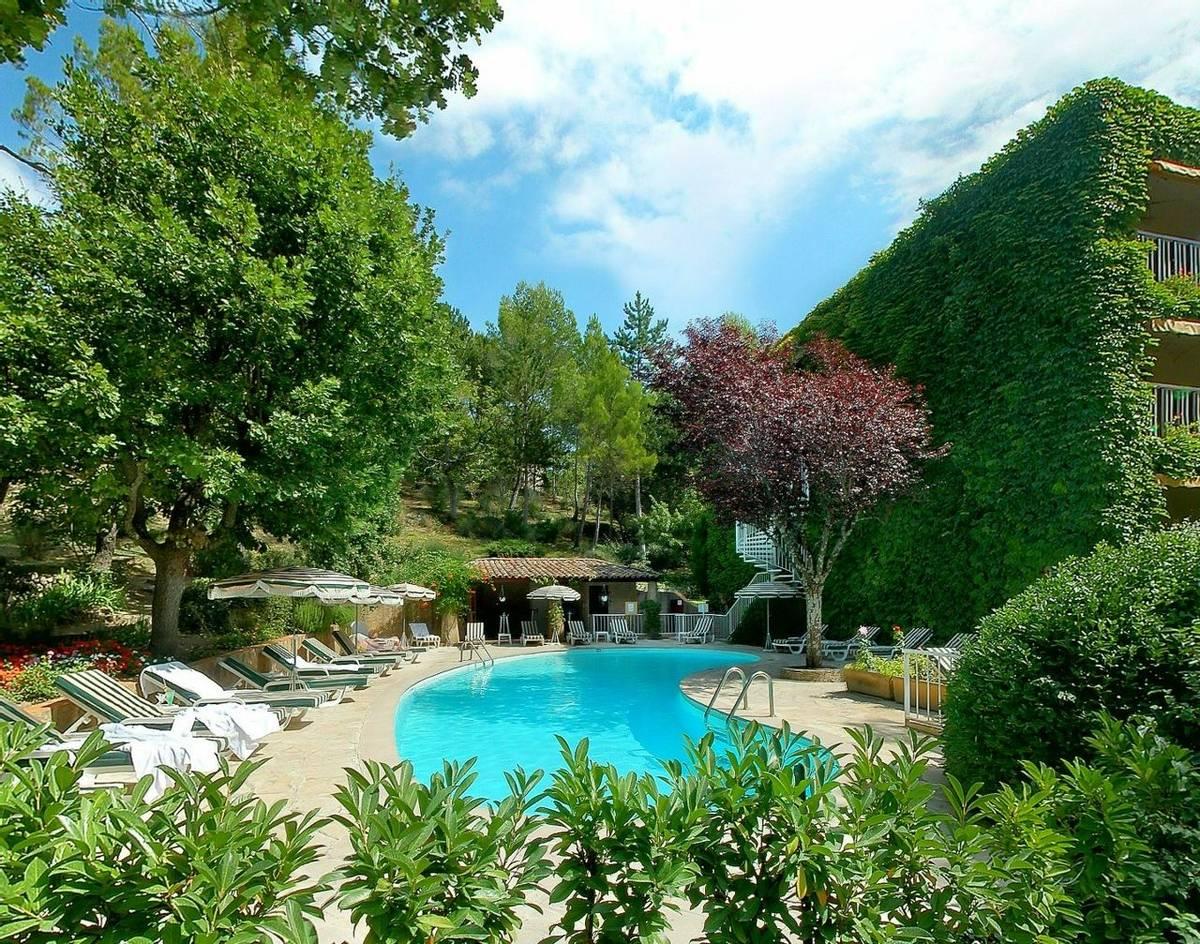 France - Villa Borghese - Pool.JPG