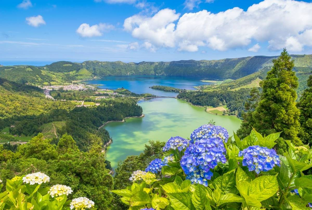 Seven Cities Lake, Sao Miguel, Azores shutterstock_622027571.jpg