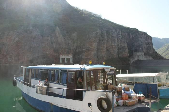 Clients on boat trip (Tom Mabbett)