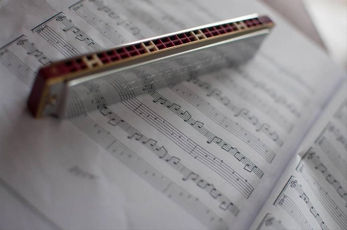 Harmonica-2619860_960_720 Pixabay.jpg