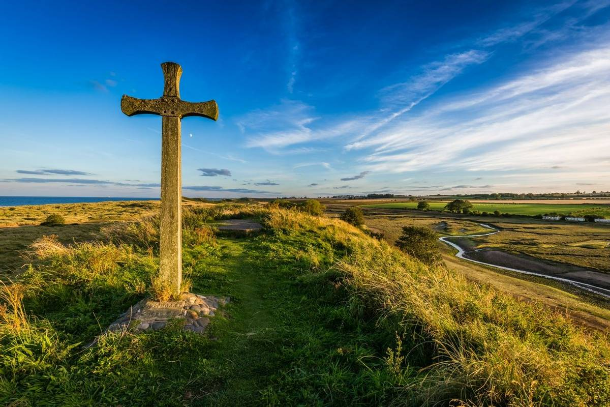 Alnmouth - St Cuthbert's Cross - AdobeStock_120482545.jpeg