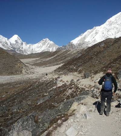 On trail to Lobuche (4,931m)