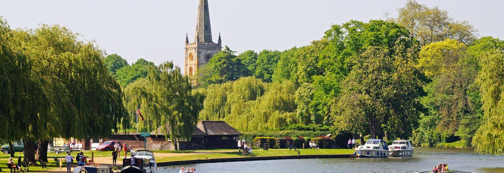 Shutterstock 196664249 River Avon Towards The Holy Trinity Church