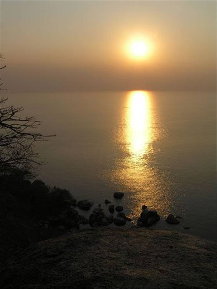 Sunset (Thomas Mills)