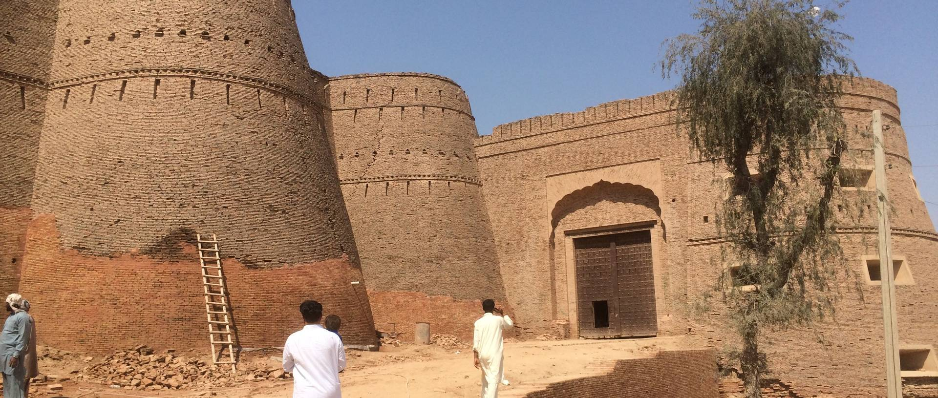Derewar Fort, Pakistan.JPG