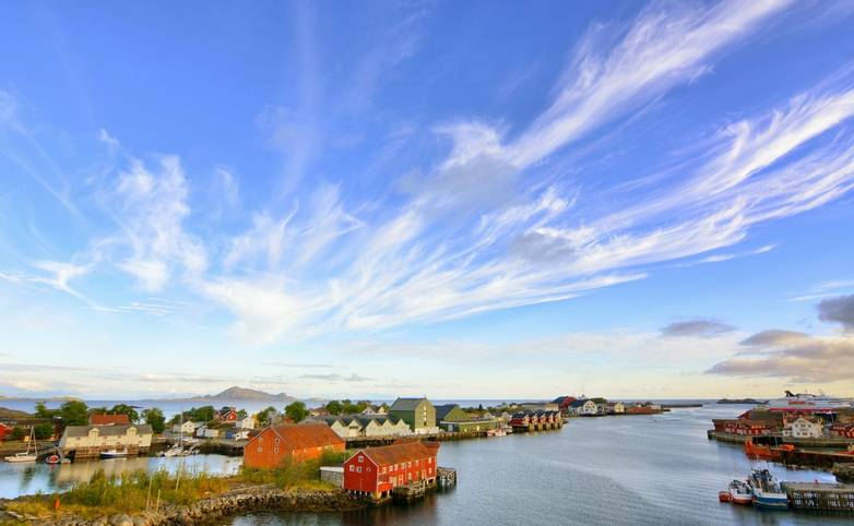 Norway - Lofoten Islands - SAdobeStock_88987610.jpeg