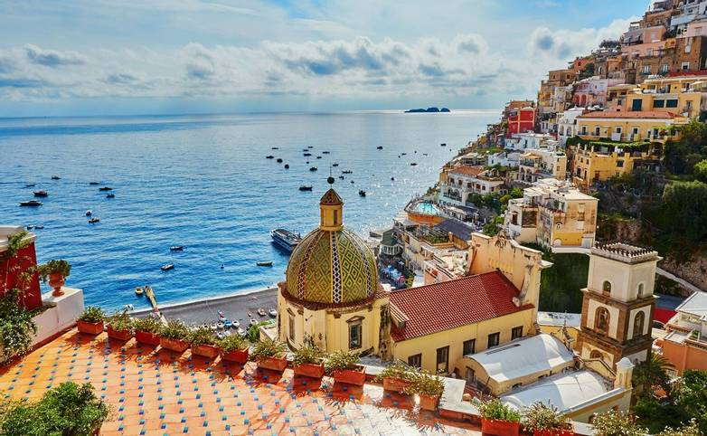 Scenic view of Positano, beautiful Mediterranean village on Amalfi Coast (Costiera Amalfitana) in Campania, Italy