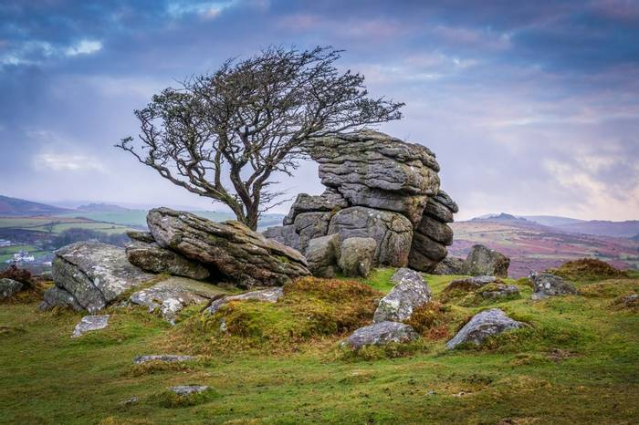 Saddle Tor, Dartmoor Shutterstock 637166776