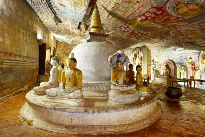 Dambulla Cave Temple, Sri Lanka shutterstock_307693805.jpg