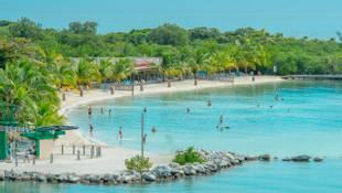 Shutterstock 123868111 Beach In Roatan Island   Bottom