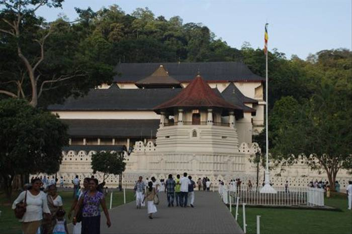 Temple of the Tooth, Kandy (Thomas Mills)
