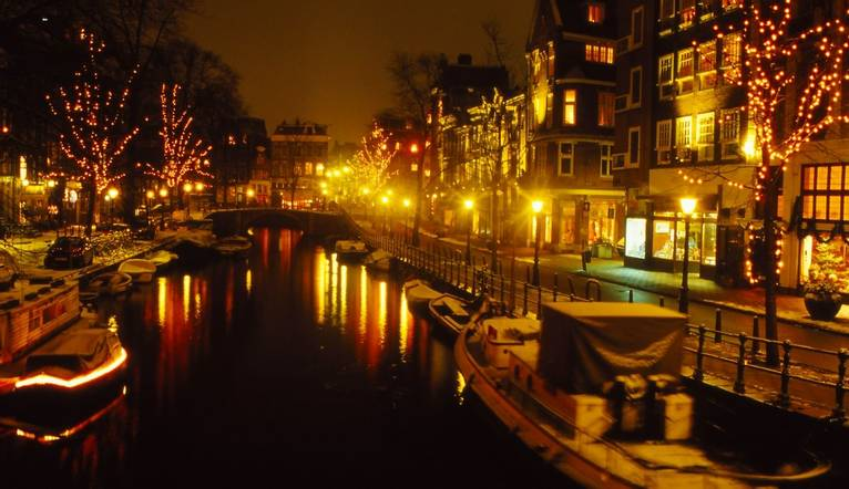 Spiegelgelgracht at night, canal in Amsterdam, during Christmas time