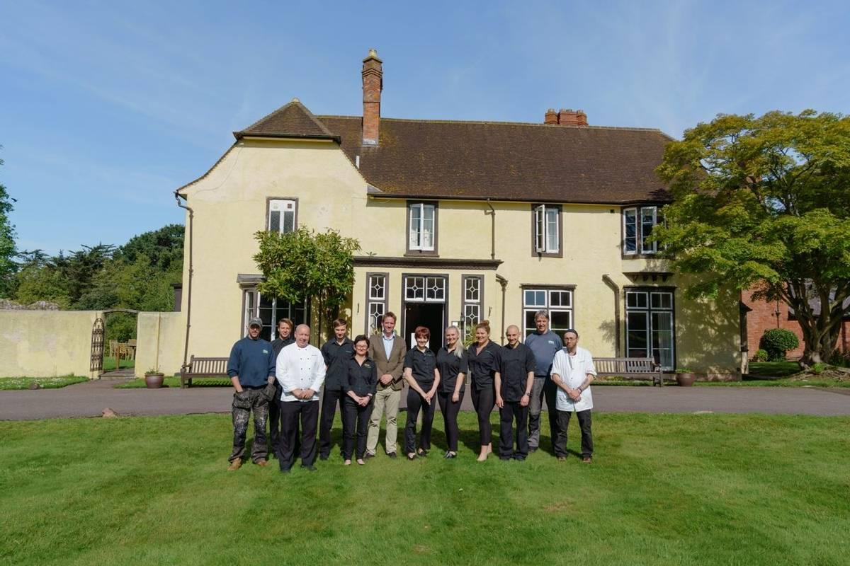 10684_0174 Holnicote House - Staff Group