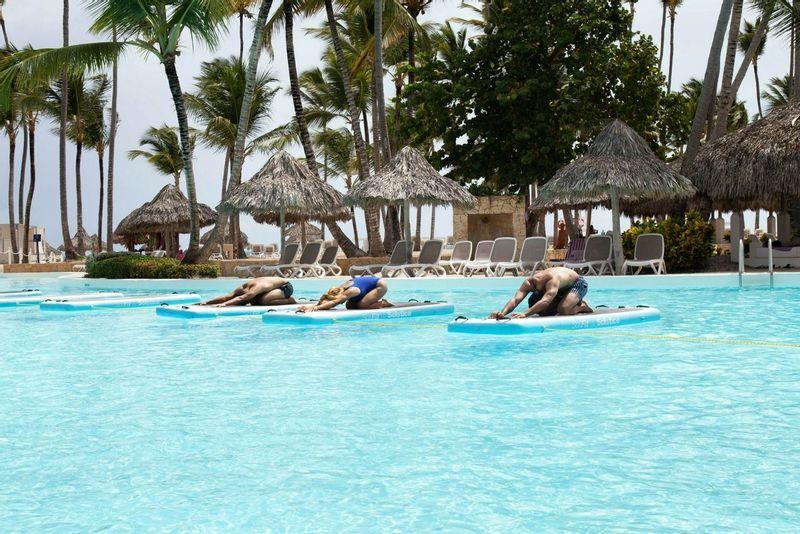 Yoga paddleboard en groupe